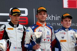 Race 2 Podium: second place steban Ocon, ART Grand Prix and winner Luca Ghiotto, Trident and third p