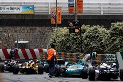 Daniel Juncadella, Fortec Motorsport Dallara Mercedes and Callum Ilott, Carlin Dallara Volkswagen re