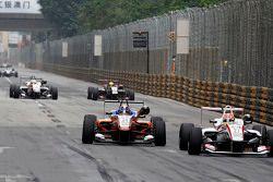 Santino Ferrucci, Mücke Motorsport Dallara Mercedes-Benz and Arjun Maini, Three Bond with T-Sport Dallara Tomei