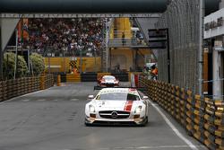 Maro Engel, Mercedes AMG Driving Academy Mercedes–Benz SLS AMG GT3