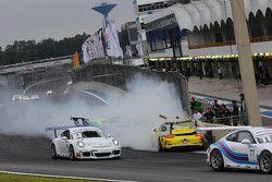 Acidente na primeira volta - Porsche 300