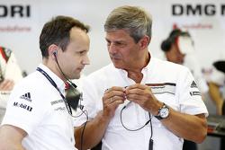 Alexander Hitzinger, LMP1 technisch directeur en Fritz Enzinger, LMP1 directeur