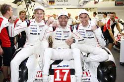 马克•韦伯、蒂莫•伯纳德、布兰登•哈特利(保时捷)赢得2015年WEC世界冠军