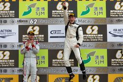 Podio: ganador Maro Engel, Mercedes AMG Driving Academy, segundo lugar Edoardo Mortara, Audi Sport T