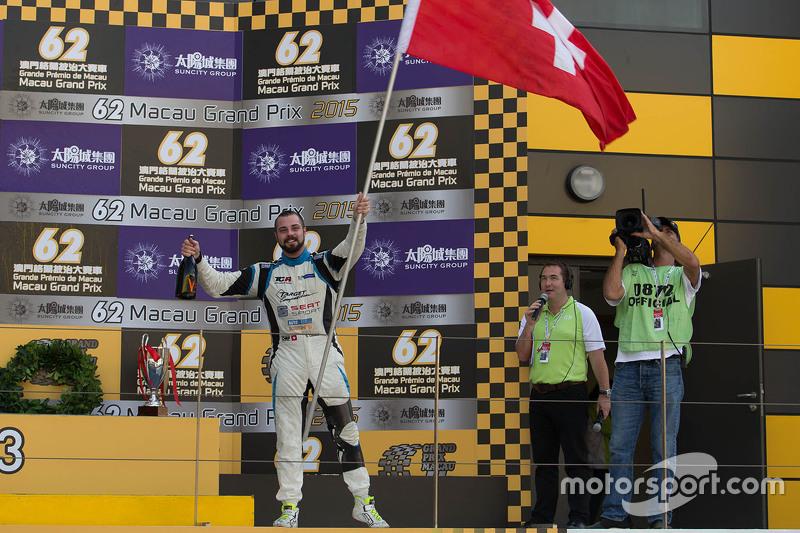 Podio: il vincitore Stefano Comini, SEAT Leon, Target Competition