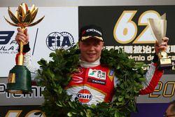 Podyum: Kazanan Felix Rosenqvist, Prema PowerTeam Dallara Mercedes-Benz
