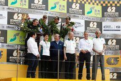 Podium: ganador, Maro Engel, Mercedes AMG Driving Academy, segundo, Edoardo Mortara, Audi Sport Team