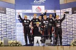 Подиум: Роман Русинов, Жюльен Каналь и Сэм Бёрд, G-Drive Racing, победители, Луис Дерани, Густаво Як