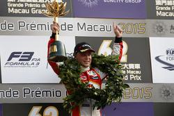 Podium : le vainqueur Felix Rosenqvist, Prema Powerteam