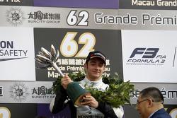 Podium : le deuxième, Charles Leclerc, Van Amersfoort Racing