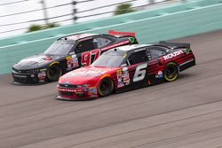Ryan Reed, Roush Fenway Racing Ford y Mason Mingus, Obaika Racing Chevrolet
