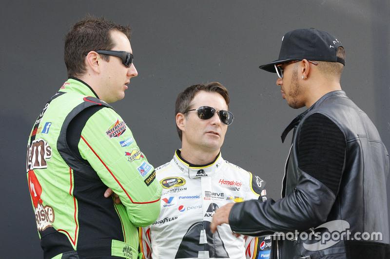 Bate-papo entre Kyle Busch, Jeff Gordon e Lewis Hamilton