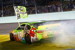 Le Champion NASCAR Sprint Cup Series 2015 Kyle Busch, Joe Gibbs Racing