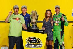 Championship Victory lane: 2015 NASCAR Spring Cup Champion Kyle Busch, Joe Gibbs Racing Toyota with wife Samantha, J.D. and Joe Gibbs