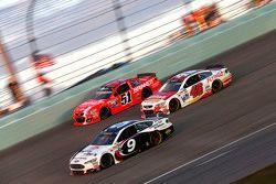 Justin Allgaier, HScott Motorsports Chevrolet; Michael Annett, HScott Motorsports Chevrolet; Sam Hor