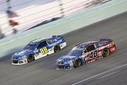 Dale Earnhardt Jr., Hendrick Motorsports Chevrolet en Landon Cassill, Hillman Circle Sport LLC Chevrolet