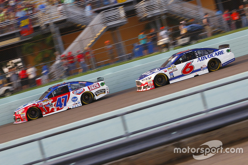 A.J. Allmendinger, JTG Daugherty Racing Chevrolet; Trevor Bayne, Roush Fenway Racing Ford