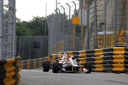Arjun Maini, Three Bond dengan T-Sport Dallara Tomei