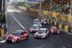 Pepe Oriola, SEAT Leon, Team Craft-Bamboo LUKOIL y Gianni Morbidelli, Honda Civic TCR, West Coast Ra