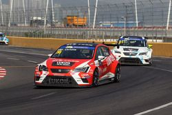 Pepe Oriola, SEAT Leon, Team Craft-Bamboo LUKOIL and Jordi Oriola, SEAT Leon, Target Competition