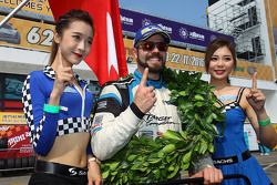 Winner and TCR 2016 Champion Stefano Comini, SEAT Leon, Target Competition with grid girls