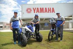 Alejandro y Marcos Patronelli junto a Paco Gómez forman el equipo de Yamaha Motor Argentina.