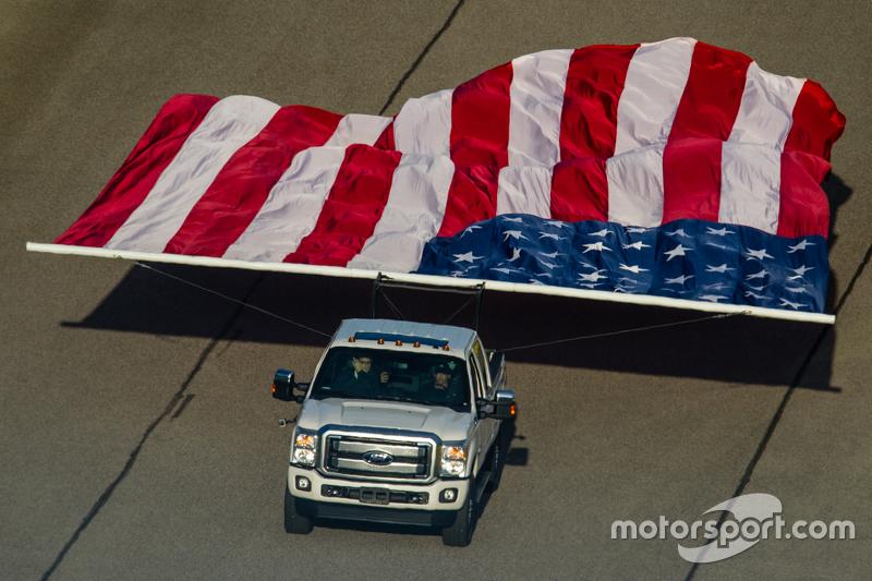 Die amerikanische Flagge auf der Strecke