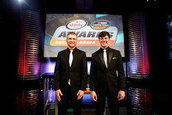 Il campione NASCAR Truck Series Erik Jones, il campione NASCAR Xfinity Series Chris Buescher