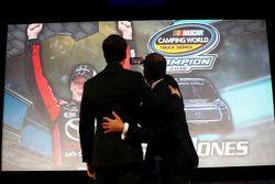 Il campione 2015 NASCAR Truck Series Erik Jones