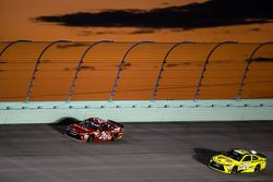 J.J. Yeley, BK Racing Toyota; Matt Kenseth, Joe Gibbs Racing Toyota