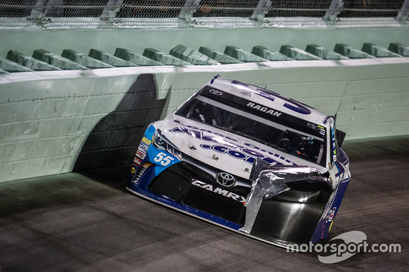 Michael Waltrip Racing verschwindet