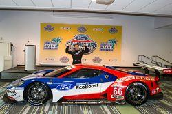 Una feliz Joey Hand con el Chip Ganassi Racing Ford GTLM