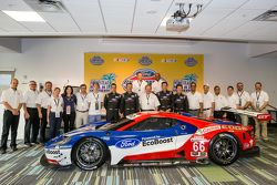 Chip Ganassi Racing Ford GTLM drivers for IMSA and Le Mans: Dirk Müller, Joey Hand, Richard Westbrook and Ryan Briscoe with Edsel Ford II, Dave Pericak and Raj Nair from Ford, Chip Ganassi and other team members