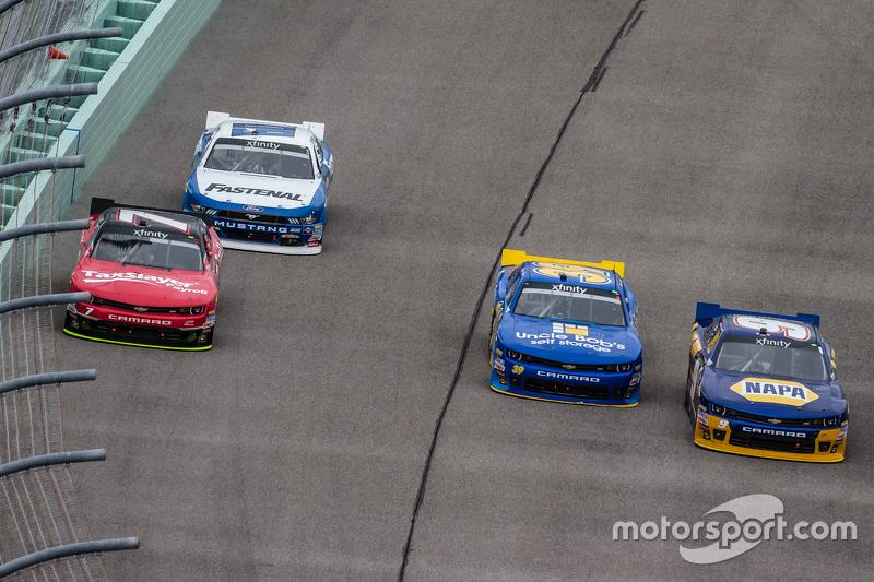 Regan Smith, JR Motorsports Chevrolet. Chris Buescher, Roush Fenway Racing Ford, Ryan Sieg, RSS Raci