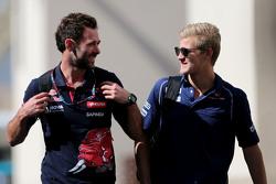 Маркус Ерікссон, Sauber F1 Team та Сем Вілледж,