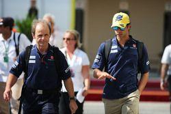 (L to R): Joseph Lieberer, Sauber Physio with Felipe Nasr, Sauber F1 Team