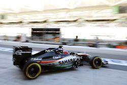 Nico Hulkenberg, Sahara Force India F1 VJM08 sort des stands