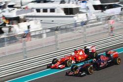 Max Verstappen, Scuderia Toro Rosso STR10, Sebastian Vettel, Ferrari SF15-T