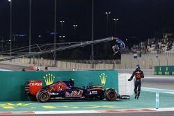 Carlos Sainz Jr., Scuderia Toro Rosso STR10 s'arrête lors des EL2