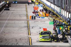 Pit stop for Matt Crafton, Thorsport Racing
