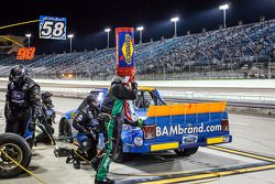 Pit stop for Kyle Weatherman