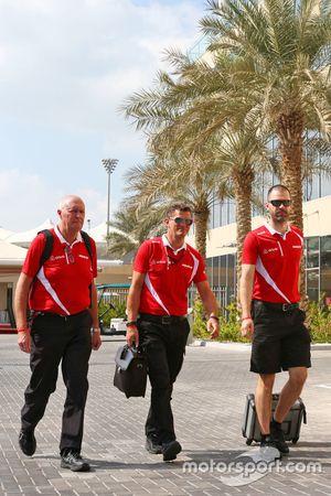 John Booth, Team Principal Manor Marussia F1 Team avec Graeme Lowdon, PDG Manor Marussia F1 Team et Marc Hynes, Coach des Pilotes Manor Marussia F1 Team