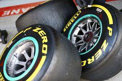 Mercedes AMG F1, pneumatici Pirelli
