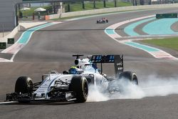 Felipe Massa, Williams FW37 locks up under braking