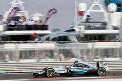 Льюїс Хемілтон, Mercedes AMG F1 W06