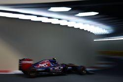 Carlos Sainz Jr, Scuderia Toro Rosso STR10