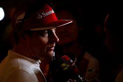 Tercer lugar Kimi Raikkonen, Ferrari con los medios