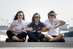 Julie Berthelot, Sébastien Loeb Racing; Francesca Valdani, Roal Motorsport; Claire Magnant, Citroën World Touring Team