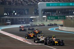 Alex Lynn, DAMS leads Rio Haryanto, Campos Racing and Alexander Rossi, Racing Engineering