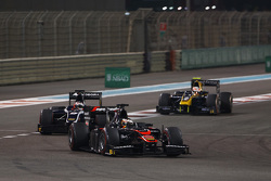 Stoffel Vandoorne, ART Grand Prix leads Mitch Evans, RUSSIAN TIME and Alex Lynn, DAMS